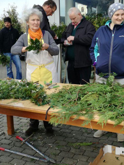 making of Palmbuschen