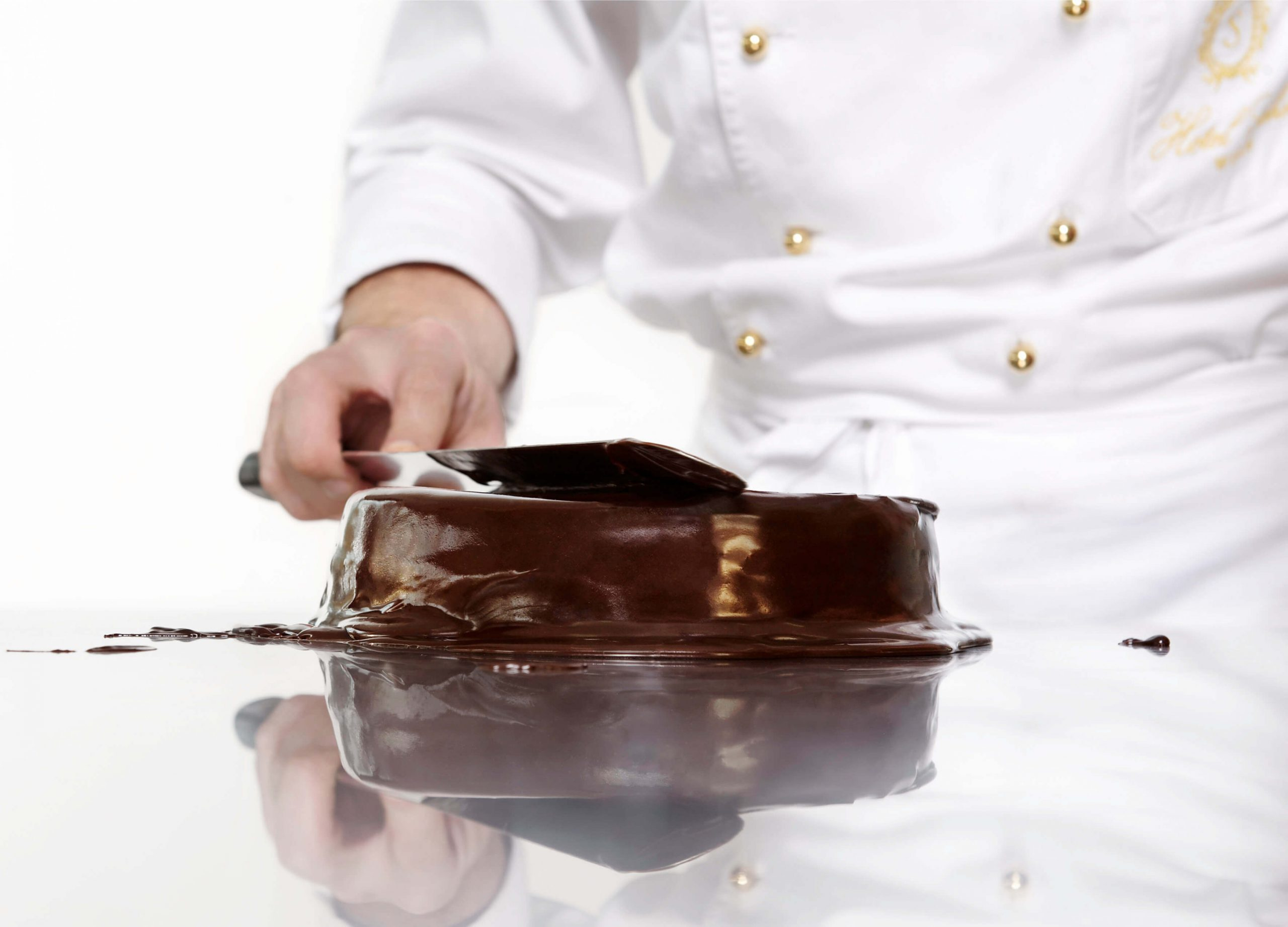 making of a Sachertorte