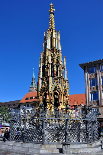 beautiful fountain of Nuremberg
